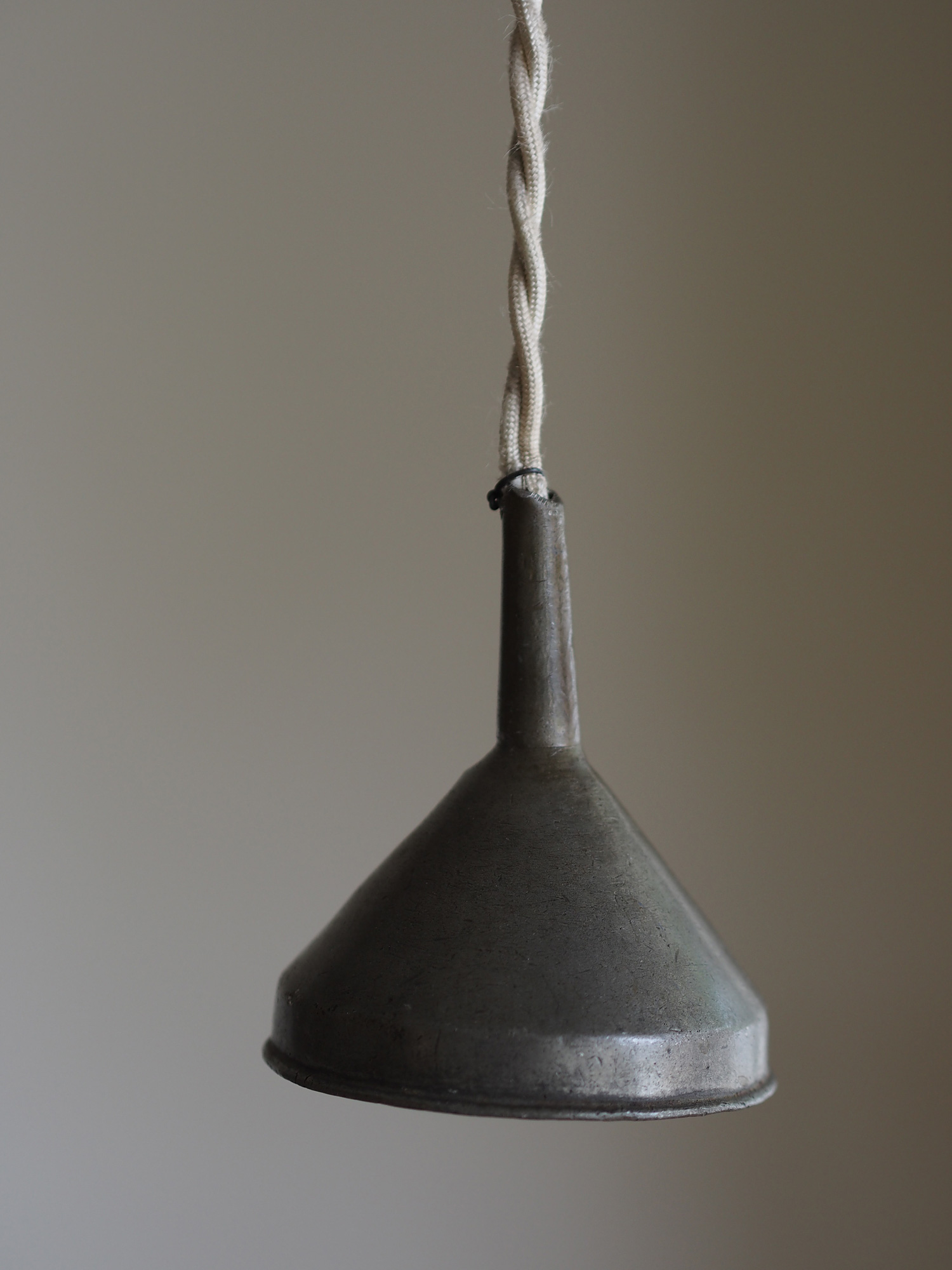 PEWTER FUNNEL LAMP MINI