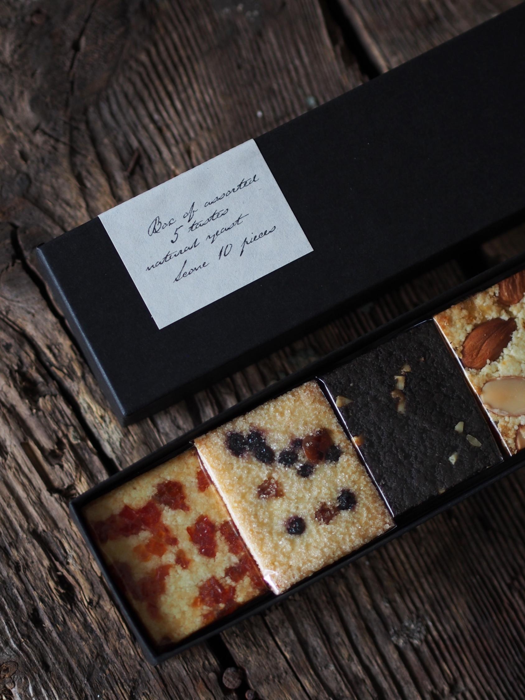 tohe SCONE BOX SET