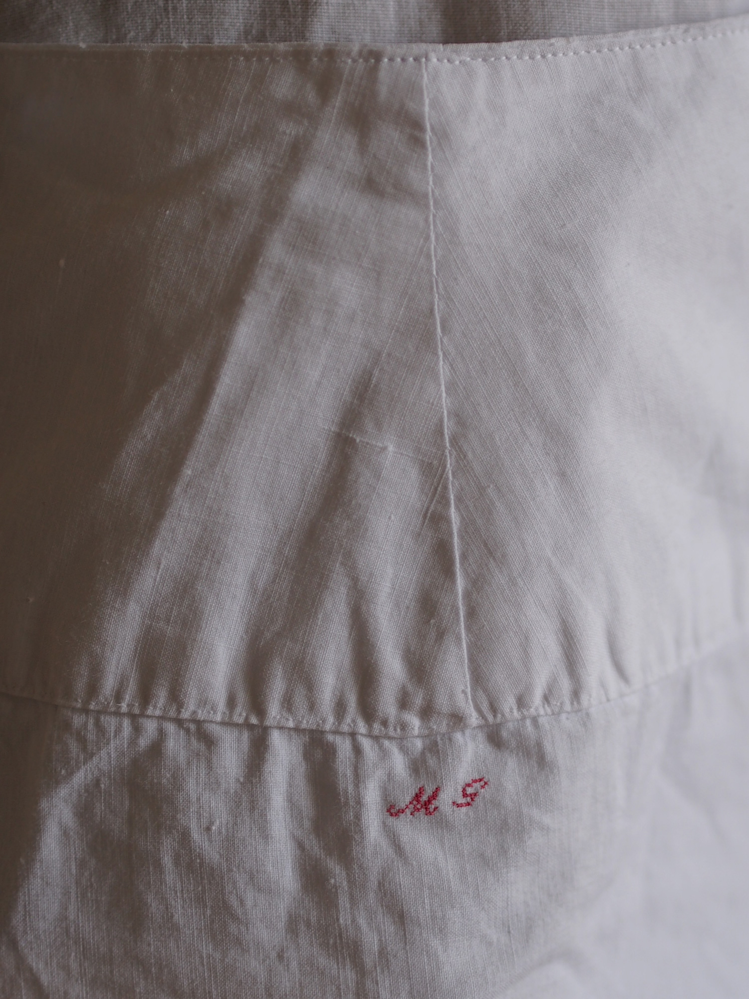 FIVE x UTO WH apron No.2
